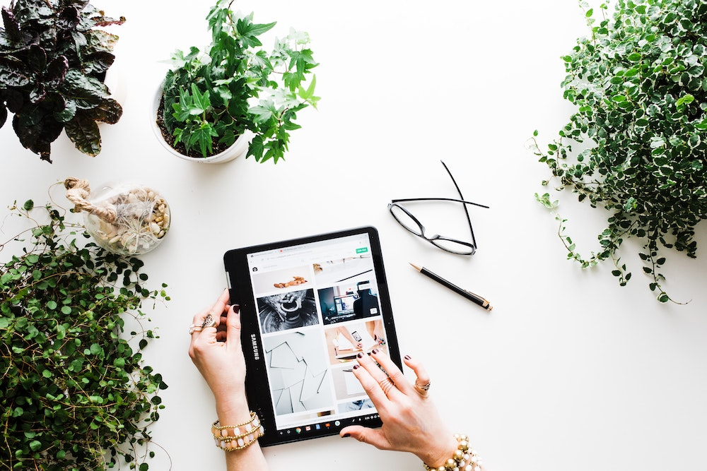 Ever thought about selling online courses? Or other digital products? Here are 5 things we learnt about launching online products that people will buy.